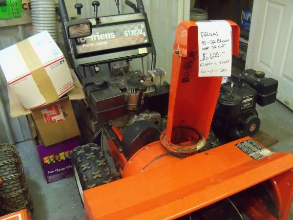 Photo Ariens ST1032 Two Stage Snow Blower 10hp 323939cut Electric Start - $550