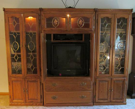 Photo Brunner Furniture Wood  Beveled Glass 3-Piece Entertainment Center - $500 (Greenfield)