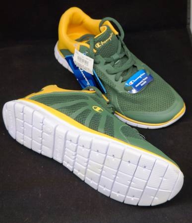 Photo CHAMPION MEN39S 7.5 GUSTO SHOES GREEN BAY PACKERS GREEN AND GOLD COLORS - $40 (Milwaukee)