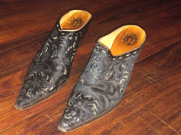 Photo Charlie 1 Horse by Lucchese Black Lazer Hair Mule Size 10 B - $75 (Brookfield)
