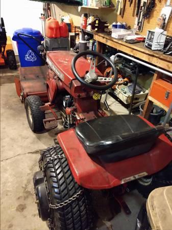 Photo Classic Wheel Horse Garden Tractor - $450 (NASHOTAH)