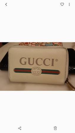 Photo Designer Gucci Wallet - $120 (Milwaukee)