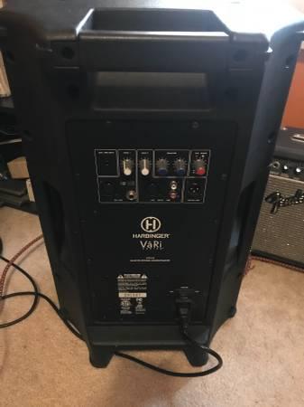 Photo Harbinger V2112 powered speakers - $300 (Wauwatosa)