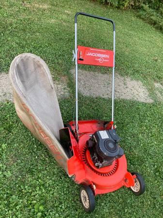 Photo Jacobsen Lawn Vacuum - Mower - $50 (Milwaukee)