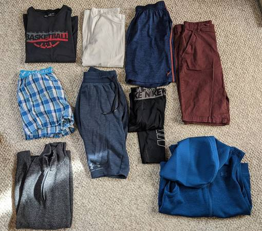Photo Lot of teen boy clothes, Men Sm, Youth Lg Under Armour, Nike, Old Navy - $15 (West BendWauwatosa)