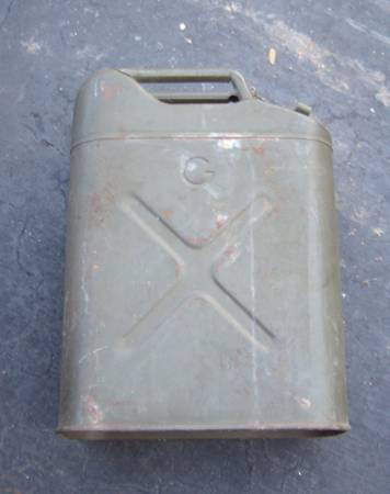 Photo Military Gas Fuel Can for Jeep 1952 US Army US - Korea War Era - $30 (Richfield, WI)