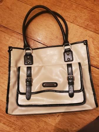 Photo Mint Franco Sarto Leather Purse Handbag Bag Cream and Black - $25 (New Berlin)