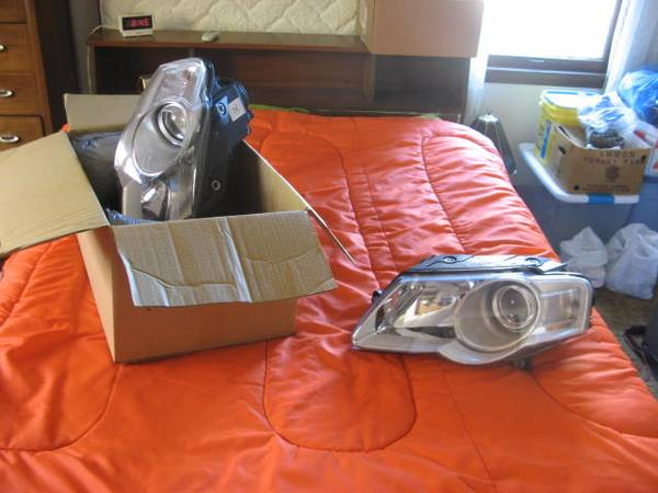 Photo NEW - VW Headlights  - $75 (West Allis)