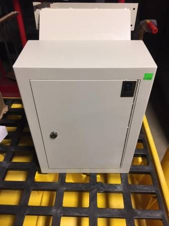 Photo New in the box Business Drop - Slot Safe - $100 (Saukville)