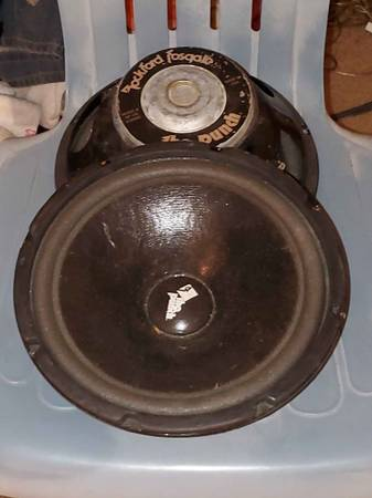 Photo Oldschool Vintage Rockford Fosgate The Punch 10quot subs Made in USA - $120 (Milwaukee)