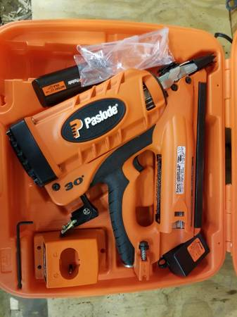 Photo Paslode CF365 Cordless Framing nailer