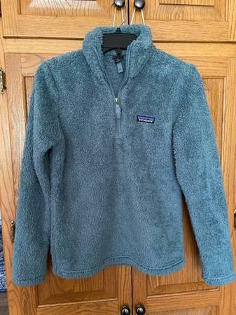 Photo Patagonia Quarter-Zip Fleece Pullover - $40 (Brookfield)
