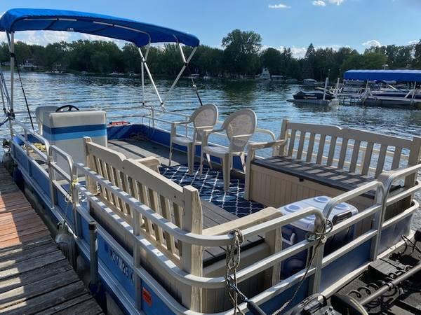 Photo Pontoon Boat for Sale - $1,950 (PALMYRA)