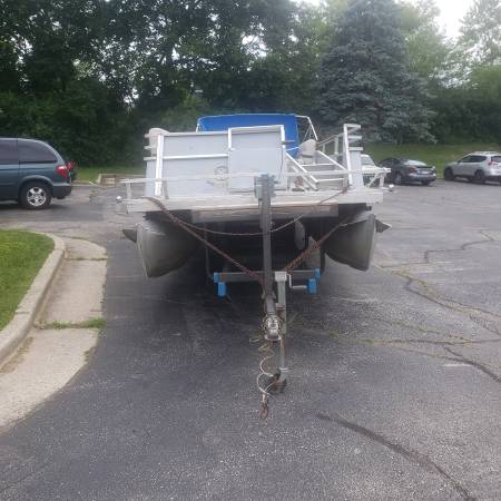 Photo Pontoon Boat for Sale - $3350 (Waukesha)