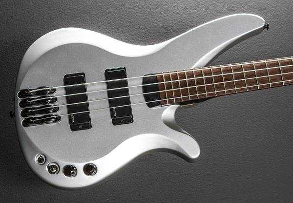 Photo Price drop Yamaha rbx 774 long scale bass - $300