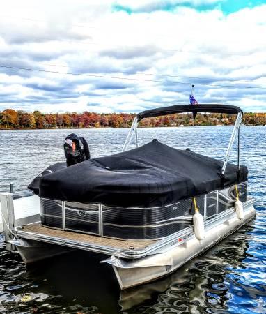 Photo Qwest Pontoon Boat For Sale - $21,500 (Burlington)