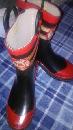 Photo Real Steel Shank FIREMAN Boots for kid XL2-3 - $10 (Milw Sw)