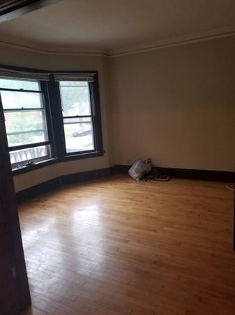 Photo Room for sublet (Milwaukee)