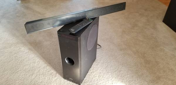 Photo Sony SS-MCT100 and SA-WCT100 Soundbar System with Subwoofer - $65 (RacineOak Creek areas)