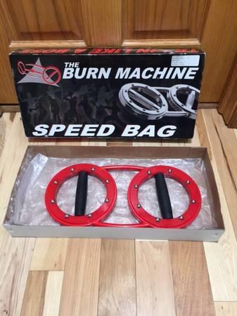 Photo The Burn Machine Speed Bag Novice Red - $70 (Bay View)