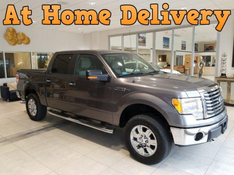 Photo Used 2010 Ford F150 4x4 SuperCrew XLT for sale