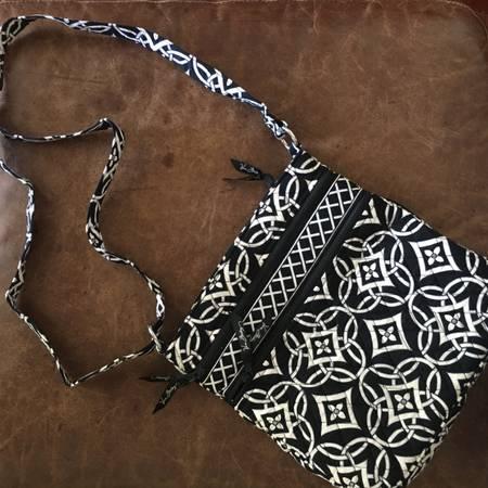 Photo Vera Bradley Black and White Triple Zip Hipster Bag - $40 (Oconomowoc)