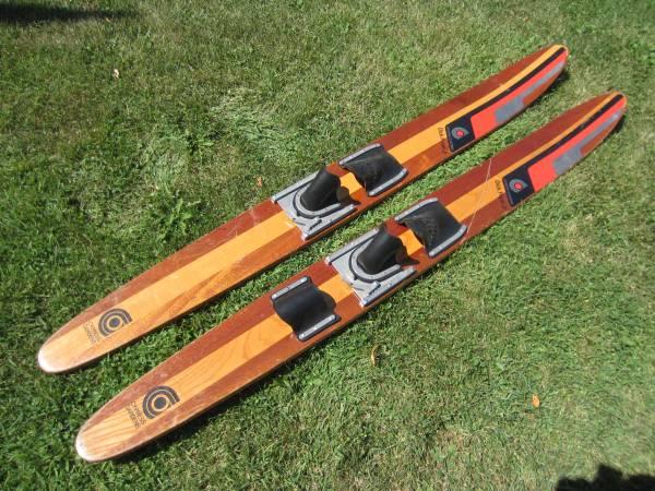 Photo Vintage Cypress Gardens Wood Water Skis Dick Pope Jr. - $75 (Southside Milwaukee Near Miller Park)