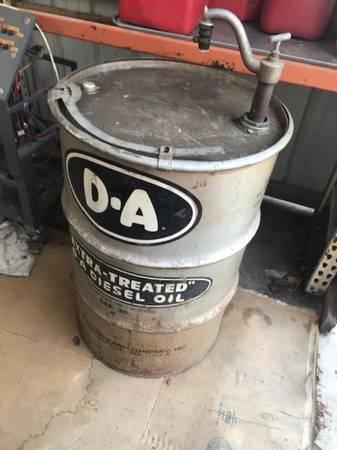 Photo Vintage D-A 55 Gallon Diesel Oil Drum  Pump - $25 (BIG BEND)