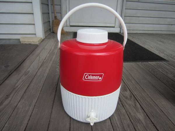 Photo Vintage Metal Coleman 2 Gallon Water Cooler - $25 (Southside Milwaukee Near Miller Park)