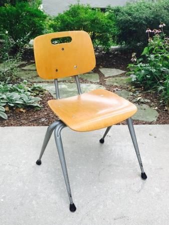Photo Vintage Mid Century Modern Brunswick Chair Office Desk School Chair - $20 (Washington Heights, Milwaukee)