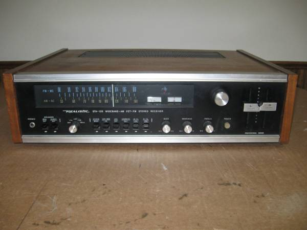 Photo Vintage Realistic STA-120 Wide Band Receiver - $100 (franklin)