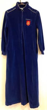 Photo WOMENS SAYBURY MIDNIGHT BLUE VELVET ROBE - Size P  - $16 (Mequon)