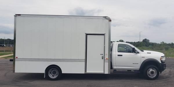 Photo 2019 RAM 5500 Tradesman Chassis Cab 4x2 ( Cargo Box )    - $53,844 (Mukwonago)