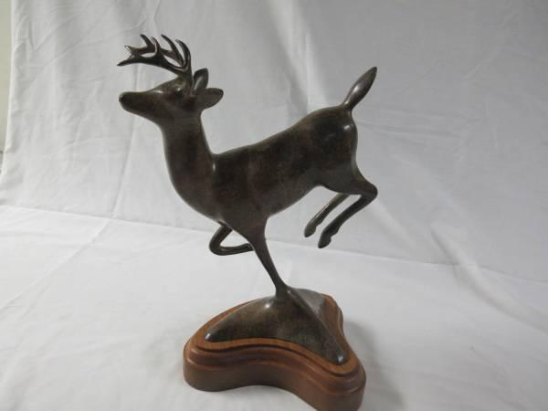 Photo 10pt Whitetail deer Bronze sculpture - $1350 (Lonsdale)