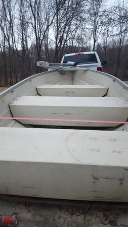 Photo 14 ft. ALUMINUM FISHING BOAT - $350 (Chisago City)