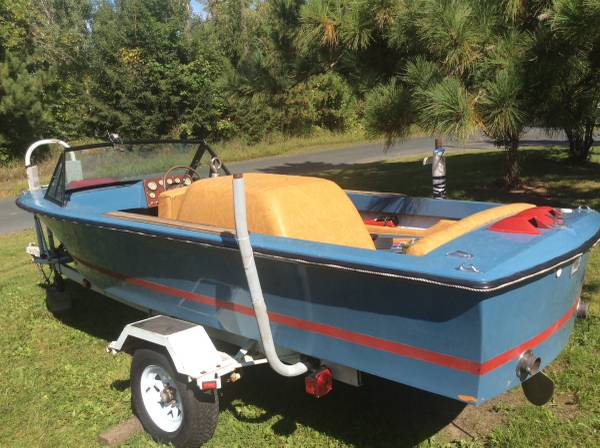 Photo 17 correct craft mustang 17 inboard 302 - $2000 (Forest lake)