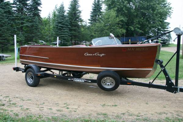 Photo 1947 Chris Craft 18 foot utility wooden boat - $29,999 (Rochester)