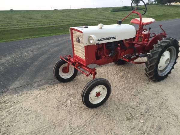 Photo 1964 Farmall Cub rare collector tractor - $6,000 (ST PAUL)