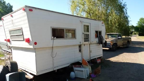 Photo 1972 vintage Hi-lo travel trailer cer - $1,500 (North Branch)