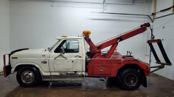 Photo 1986 Ford F350 Dually - Tow Truck - Wrecker - $3300 (Eden Prairie)