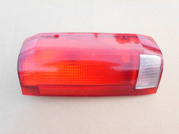 Photo 1996 Ford Bronco Passenger Side Rear Taillight - $10 (Forest Lake , MN)