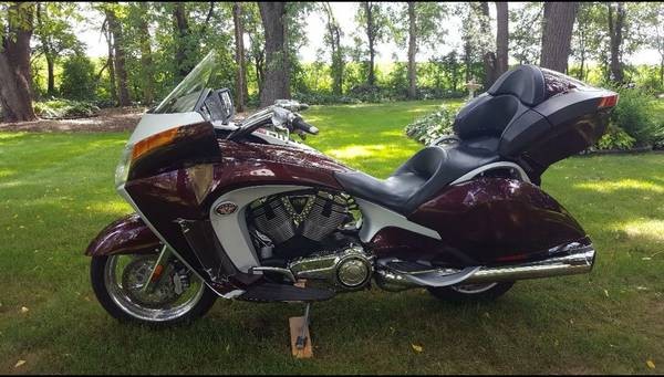 Photo 2009 Victory Vision Touring - $7750 (FARMINGTON)