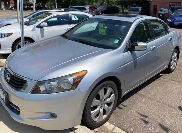 Photo 2010 Honda Accord EX-L V-6 110,xxx miles - $6,995 (Stacy)