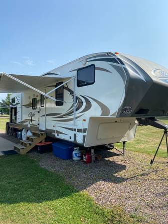 Photo 2014 Keystone Cougar 330RBK Fifth Wheel Bunkhouse - $28,000 (Hayward WI)