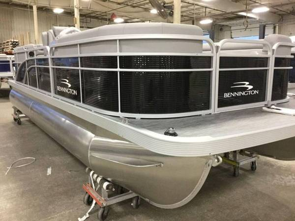 Photo 2021 Bennington 22 Tritoon, 150hp, Hydro Steering Limited $299mo - $36,837 (Red Wing)