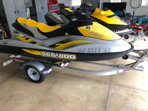 Photo 2-2007 Seadoos with low hours - $11950