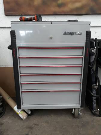Photo 32quot snap on rolling tool box 6 drawers and bed liner top - $900