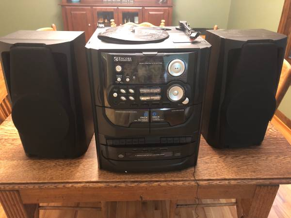 Photo 5 in 1 Record Player, Tape Player, CD Player, and Radio - $100 (Apple Valley)