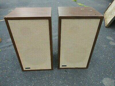 Photo ADVENT 1 LOUD SPEAKERS (2) - $120 (Braham)