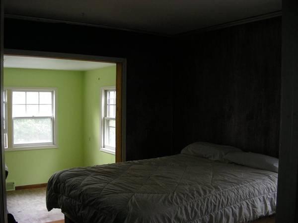Photo Bedroom  Sunroom 575 includes utilities (St Paul, Midway)
